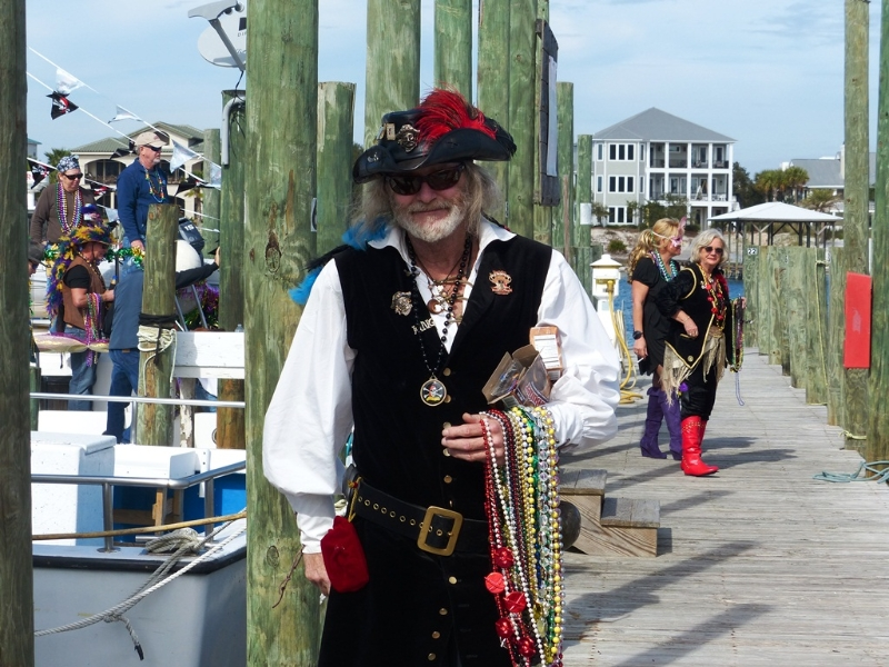pirates-of-lost-treasure-mardi-gras-pirate-flotilla-2013_11