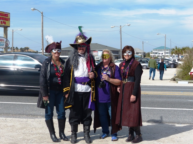pirates-of-lost-treasure-mardi-gras-pirate-flotilla-2013_24