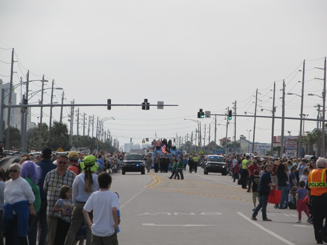 mardi_gras_day_parade_orange_beach_005