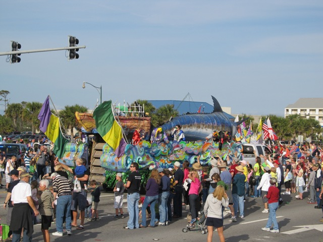 mardi_gras_day_parade_orange_beach_012