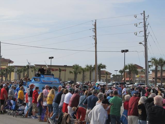 mardi_gras_day_parade_orange_beach_015