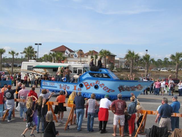 mardi_gras_day_parade_orange_beach_016