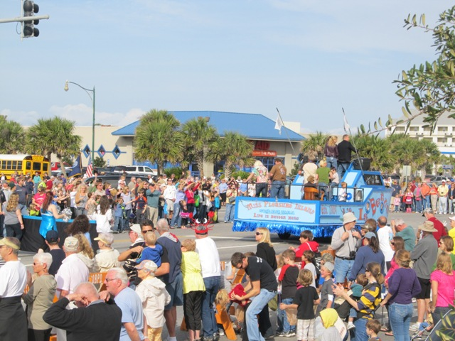 mardi_gras_day_parade_orange_beach_019