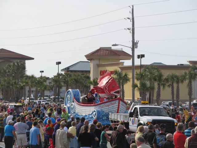mardi_gras_day_parade_orange_beach_020