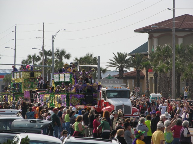 mardi_gras_day_parade_orange_beach_021
