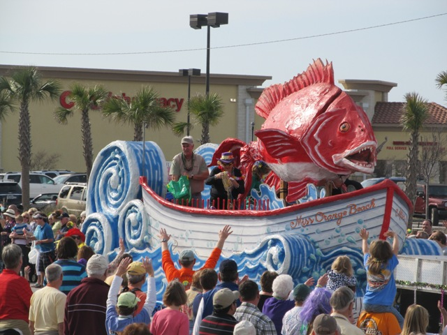 mardi_gras_day_parade_orange_beach_022