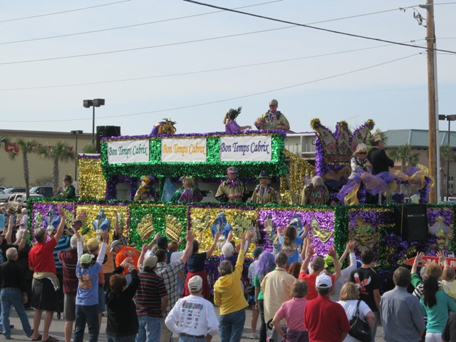 mardi_gras_day_parade_orange_beach_026
