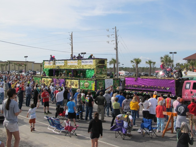 mardi_gras_day_parade_orange_beach_028