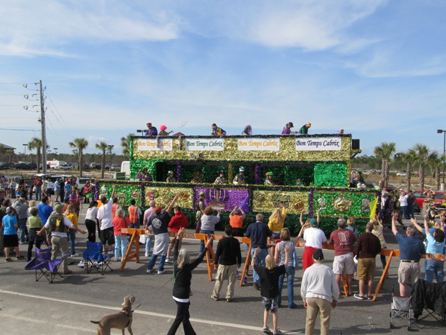 mardi_gras_day_parade_orange_beach_029