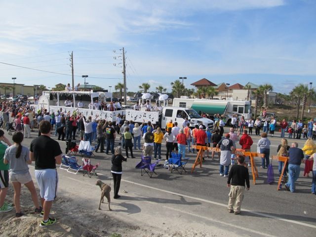 mardi_gras_day_parade_orange_beach_032