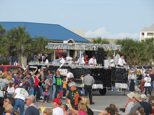 mardi_gras_day_parade_orange_beach_035