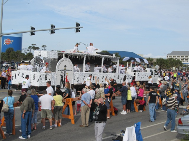 mardi_gras_day_parade_orange_beach_036