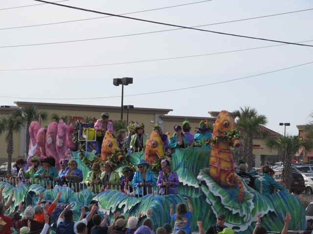 mardi_gras_day_parade_orange_beach_037
