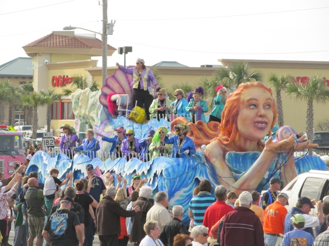 mardi_gras_day_parade_orange_beach_040