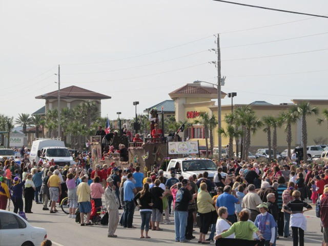 mardi_gras_day_parade_orange_beach_044