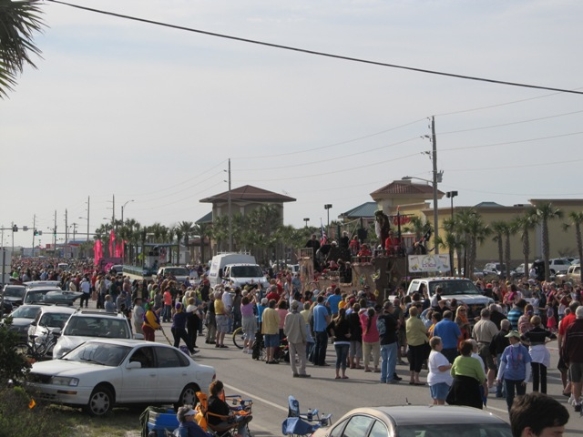 mardi_gras_day_parade_orange_beach_045