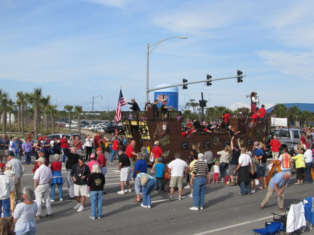 mardi_gras_day_parade_orange_beach_047