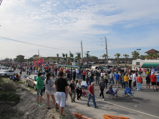 mardi_gras_day_parade_orange_beach_048