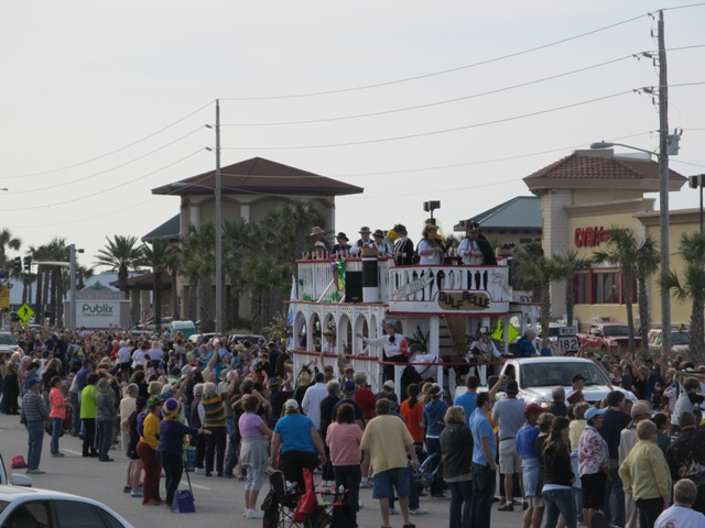 mardi_gras_day_parade_orange_beach_052
