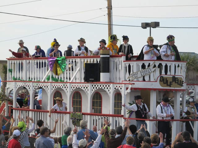 mardi_gras_day_parade_orange_beach_055