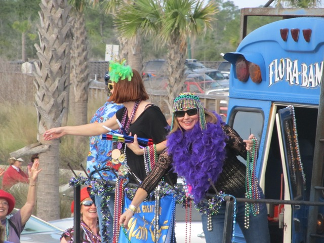 mardi_gras_day_parade_orange_beach_058