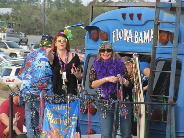 mardi_gras_day_parade_orange_beach_059