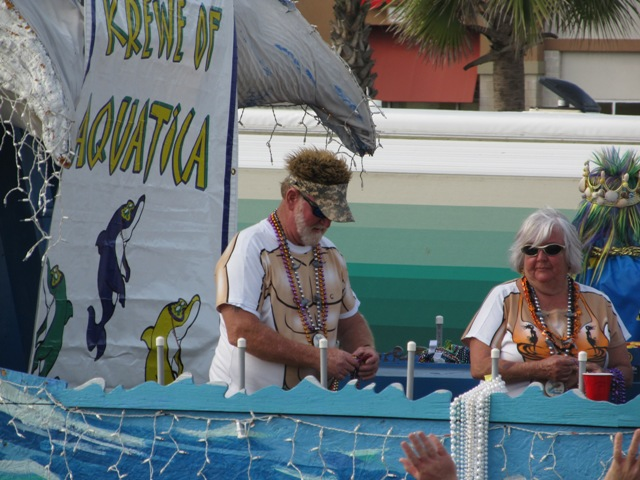 mardi_gras_day_parade_orange_beach_063