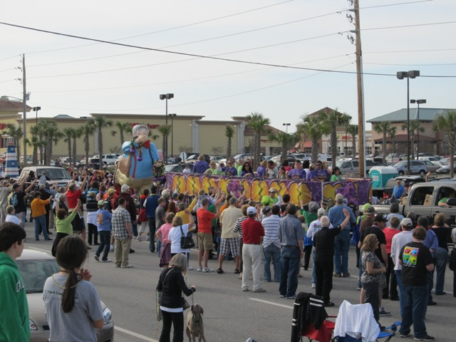 mardi_gras_day_parade_orange_beach_065