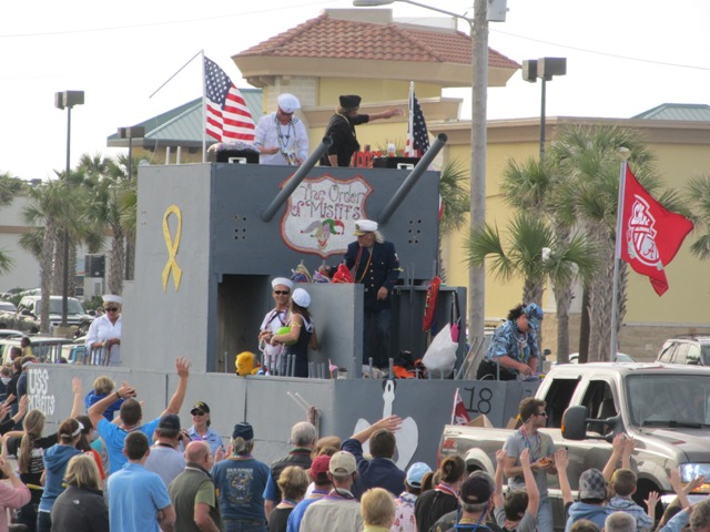 mardi_gras_day_parade_orange_beach_071