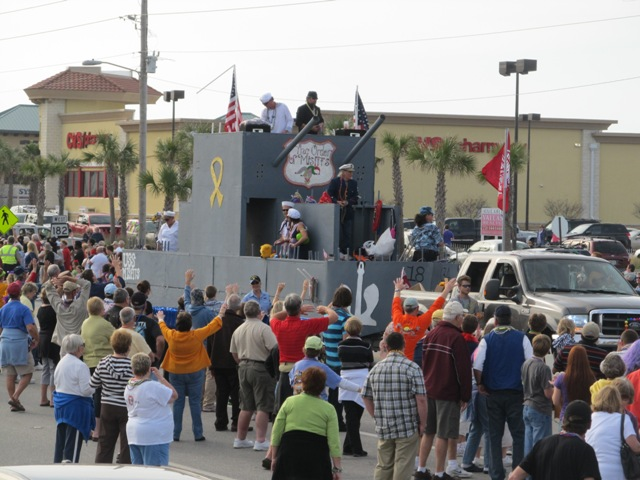 mardi_gras_day_parade_orange_beach_072