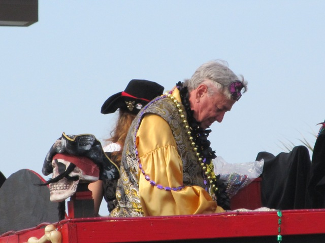 mardi_gras_day_parade_orange_beach_080