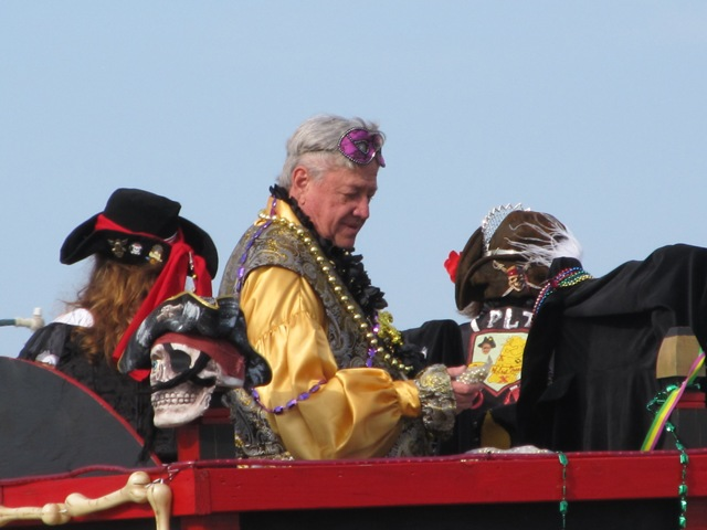 mardi_gras_day_parade_orange_beach_081