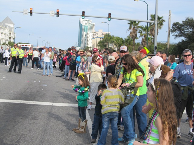 mardi_gras_day_parade_orange_beach_083