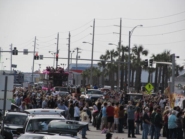 mardi_gras_day_parade_orange_beach_088