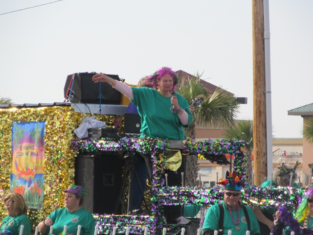 mardi_gras_day_parade_orange_beach_090