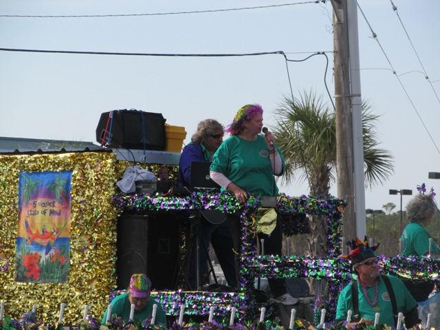 mardi_gras_day_parade_orange_beach_091