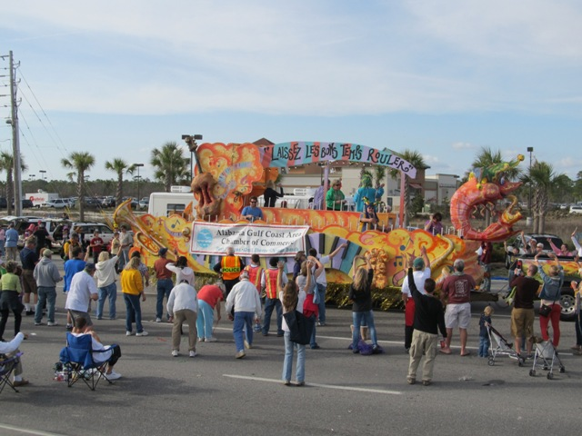 mardi_gras_day_parade_orange_beach_092