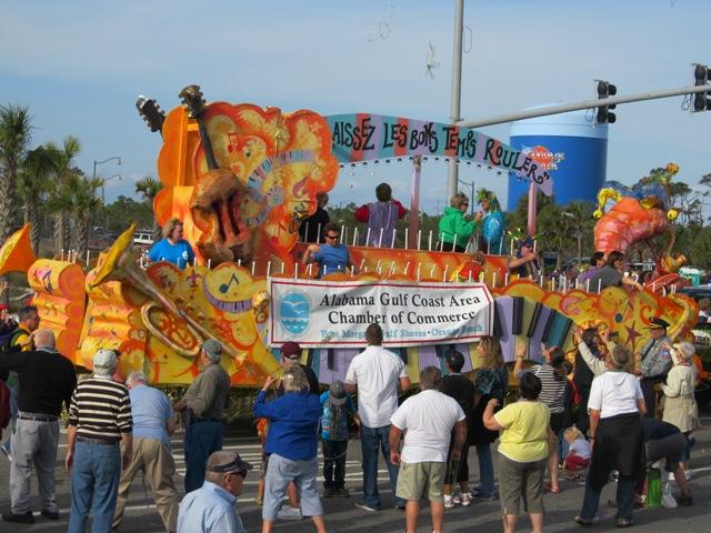 mardi_gras_day_parade_orange_beach_095