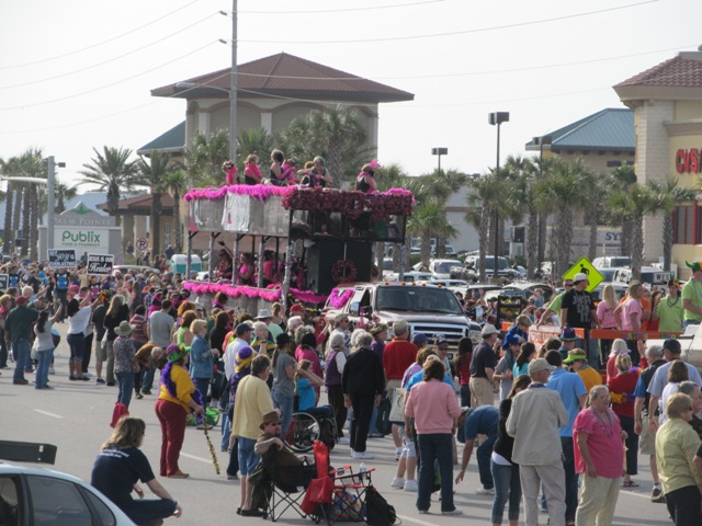 mardi_gras_day_parade_orange_beach_096