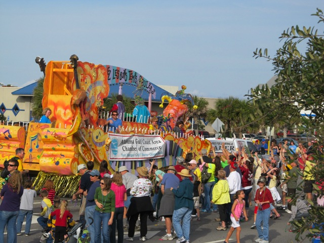 mardi_gras_day_parade_orange_beach_097