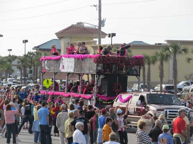 mardi_gras_day_parade_orange_beach_099